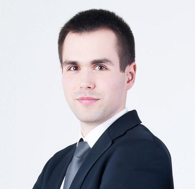 Tomasz-Nowakowski-Zouner-Legal-640 x 620 n
